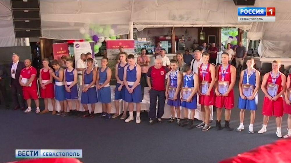 Боксеры Севастополя завоевали серебро на турнире городов-героев