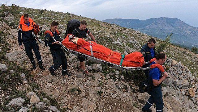 За выходные в горах Крыма спасли девять человек, двоих – с переломами ног