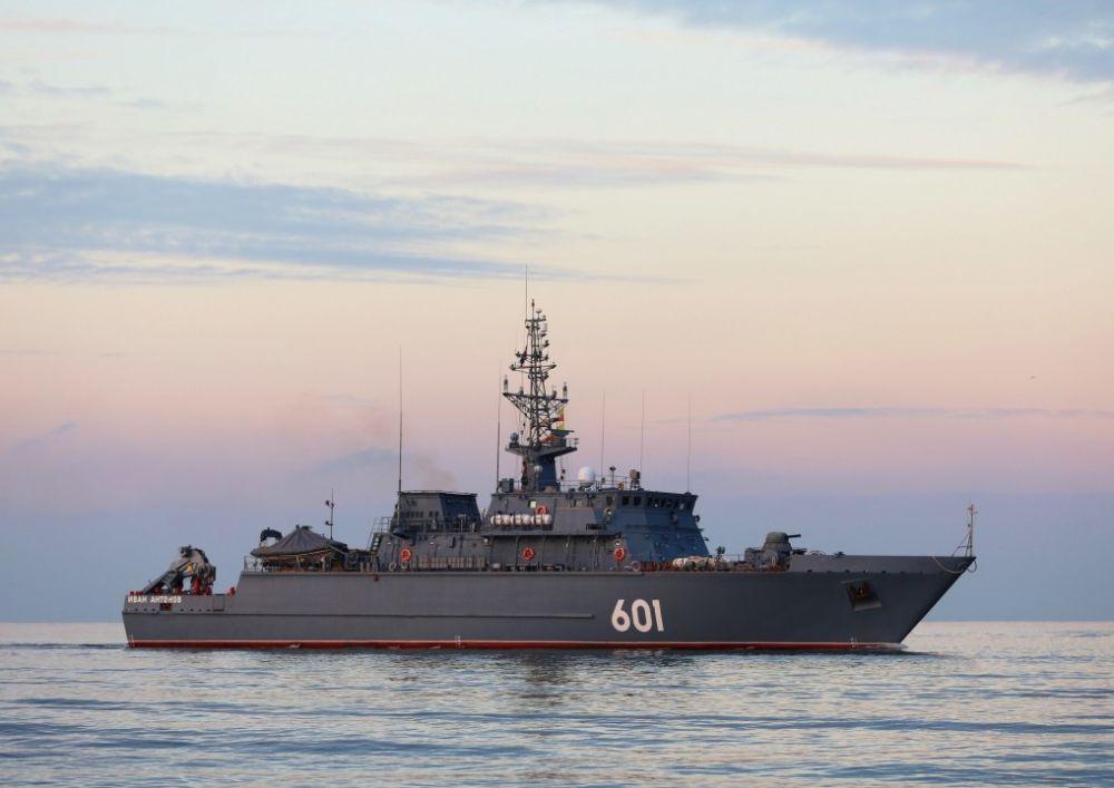Новый морской тральщик «Иван Антонов» направился из Петербурга в Севастополь