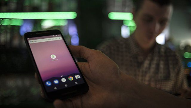 В Минпросвещения рекомендуют ограничить пользование мобильниками в школах