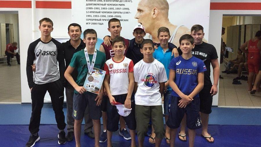 Юные крымские борцы-классики завоевали шесть медалей на Всероссийском турнире в Краснодаре