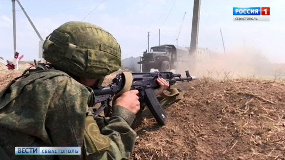 Военная полиция Севастополя отрабатывала навыки, которые могут пригодиться в командировках в Сирию