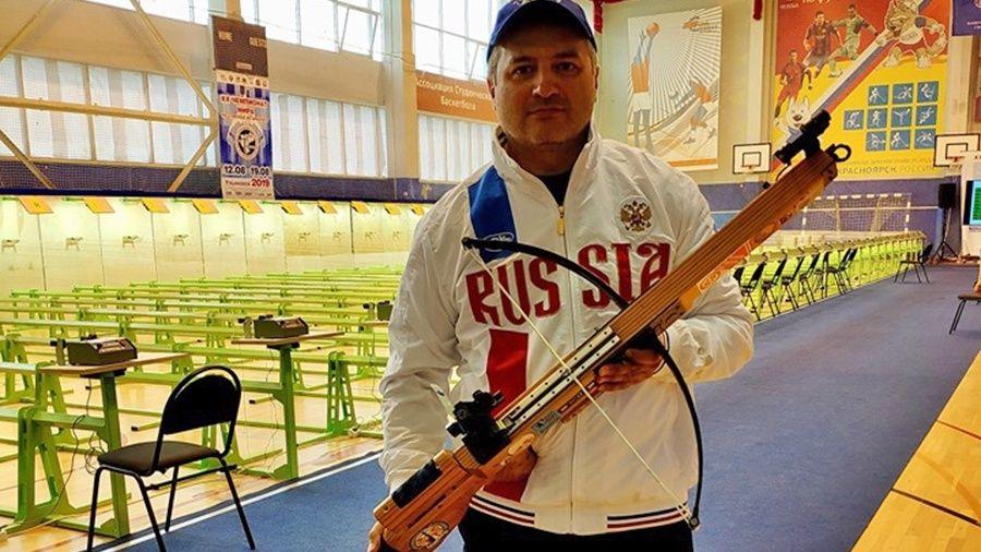 Симферополец Артур Айвазян помог сборной России выиграть чемпионат мира по стрельбе из арбалета