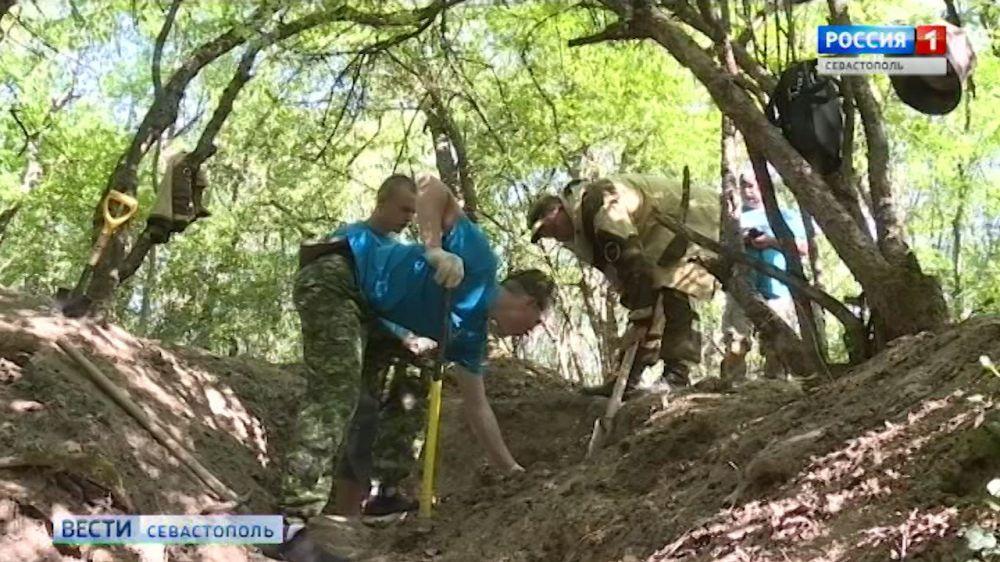Поисковики из Калининграда и Чебоксар обнаружили в Севастополе останки красноармейцев