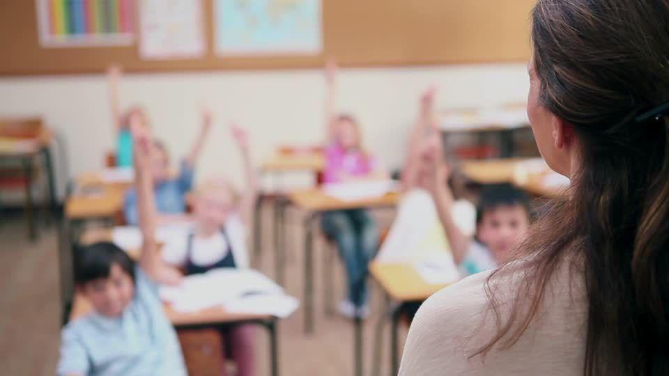 В Крыму вступает в силу новая система оплаты труда учителей