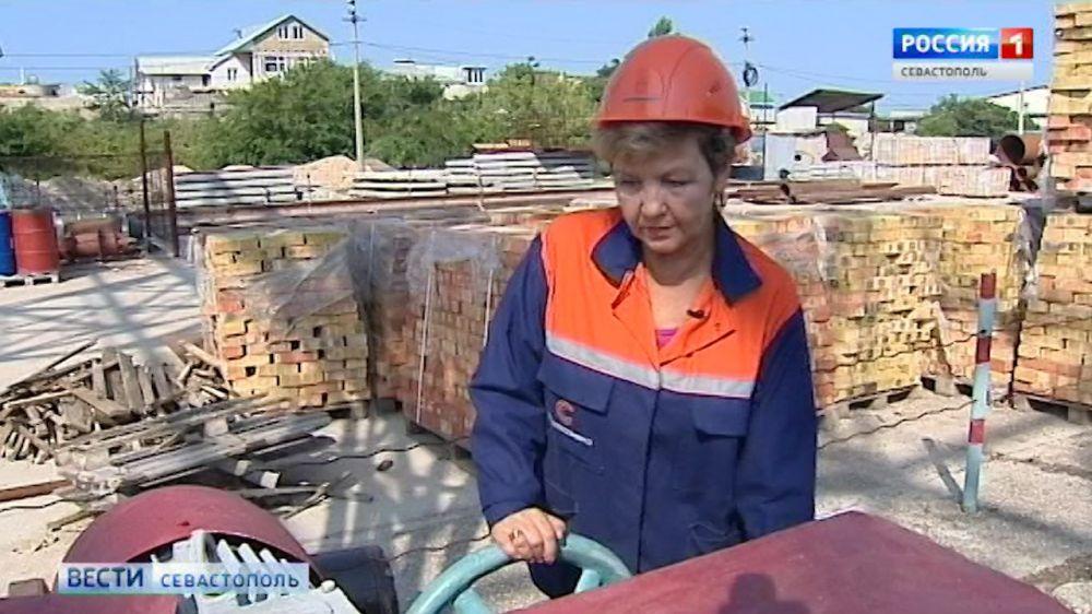Профессию крановщика оставили в списке разрешенных для женщин
