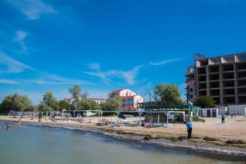 На пляже Омега вместо недостроенной гостиницы появится зеленая зона