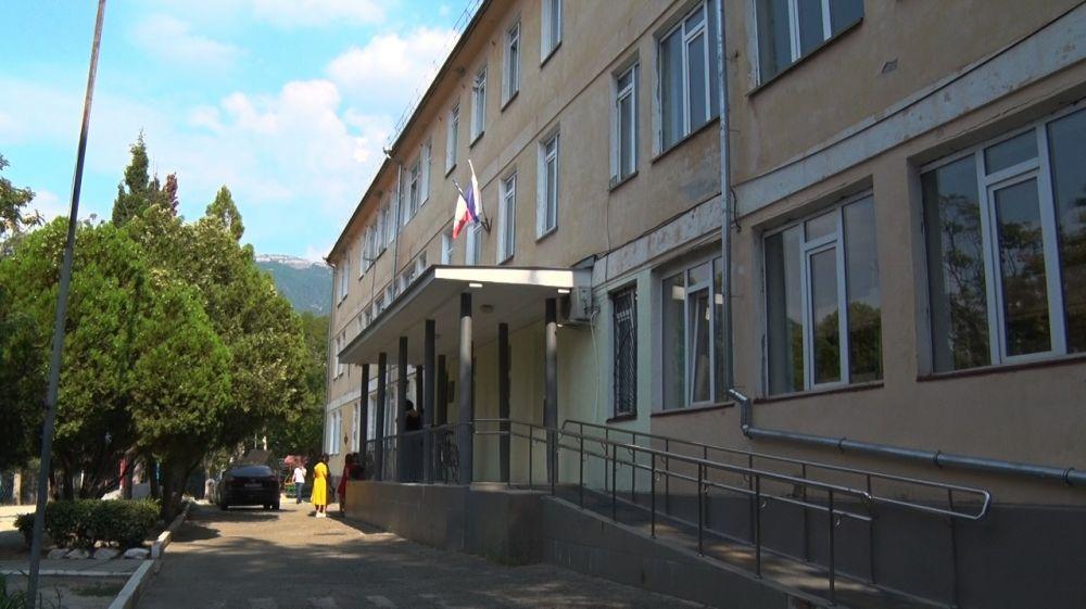 Алексей Челпанов осмотрел ремонтные работы в школе №15