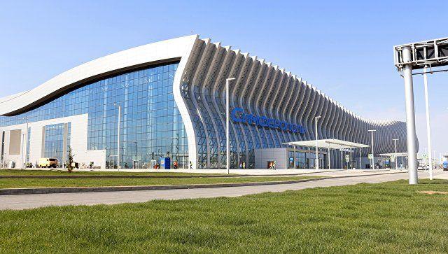 """Туристический исход: аэропорт Симферополя готовится к самому """"улетному"""" дню"""