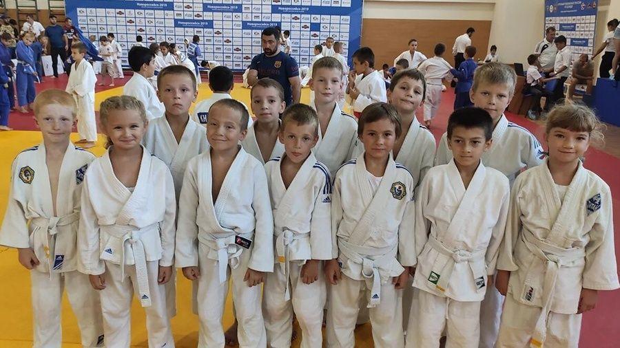 Юные ялтинские дзюдоисты привезли три медали из Новороссийска