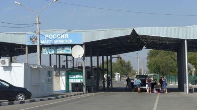 За две недели услугами автобусов, следующих от границы с Украиной пункта «Армянск» воспользовались 3000 человек