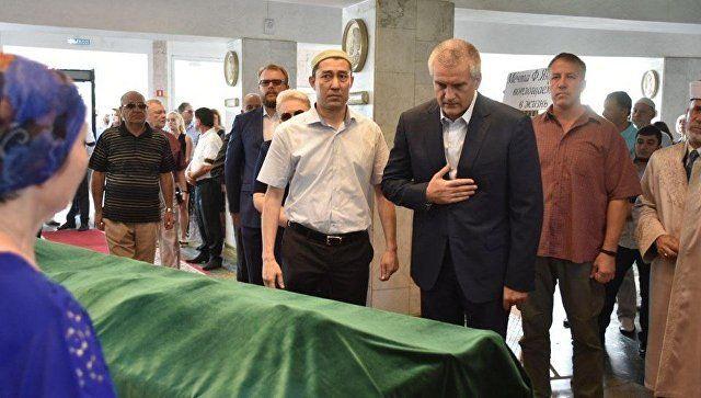 В Симферополе прощаются с почетным крымчанином Февзи Якубовым