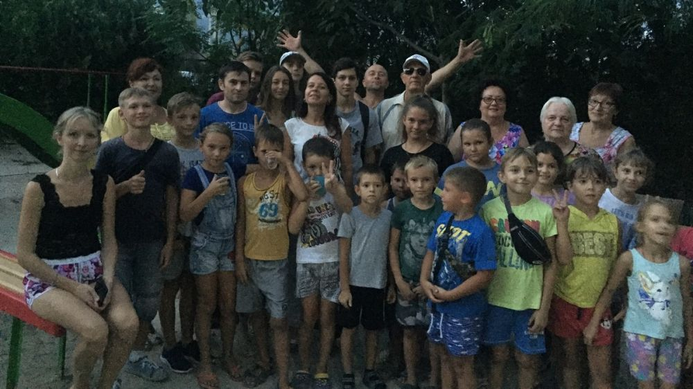В Ялте на улице Ореховая, 31 отремонтирована детская площадка