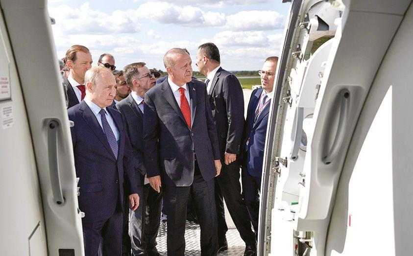 Авиасалон МАКС-2019: высший пилотаж политики и бизнеса