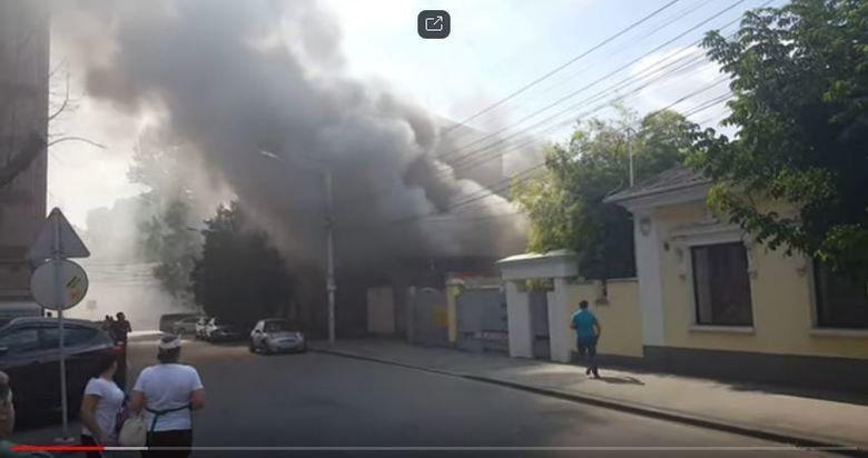 """Симферопольцев всполошил """"пожар у суда"""""""