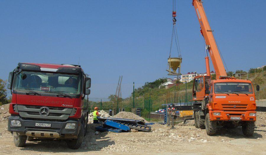 В Севастополе до конца года планируют завершить строительство футбольного поля