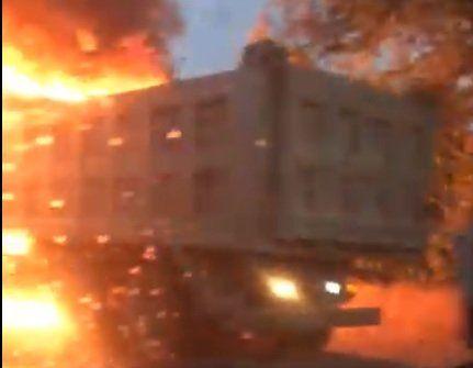На трассе Симферополь-Евпатория сгорел грузовик