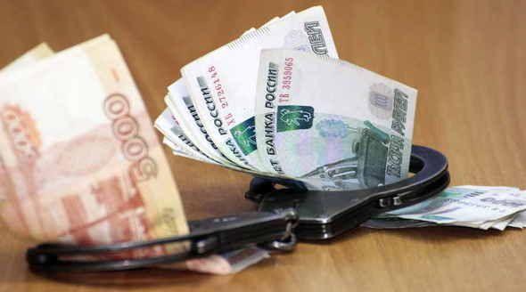 Два бывших крымских госавтоинспектора проведут четыре года в колонии за взяточничество