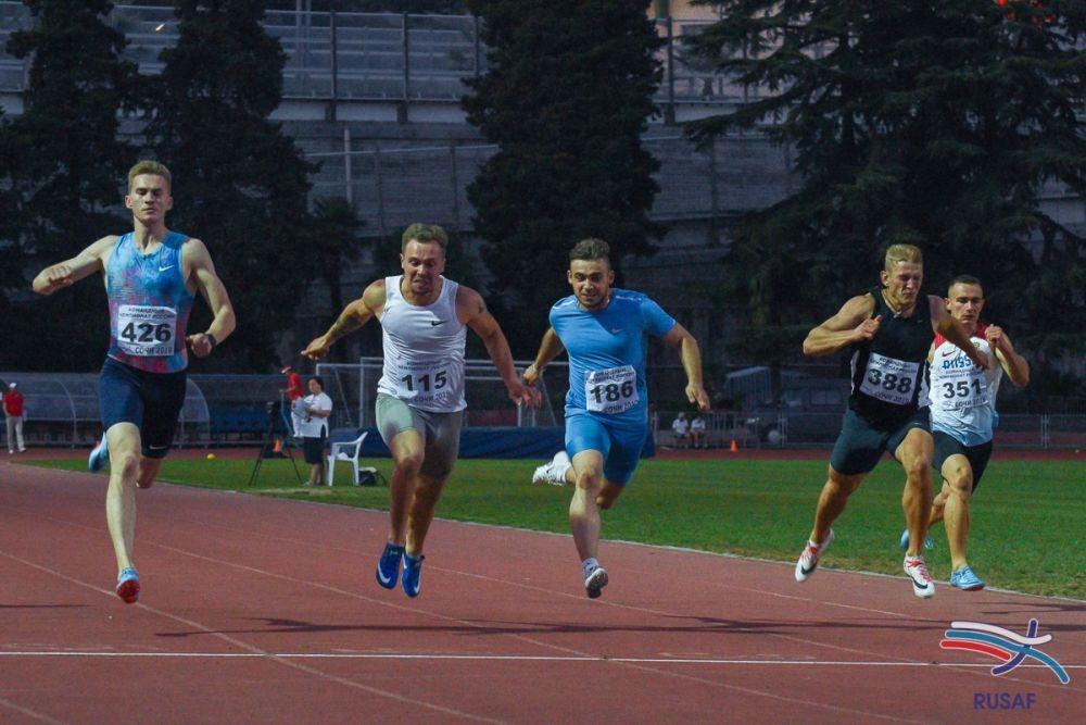 Две серебряные и одну бронзовую медали привезли крымские легкоатлеты с чемпионата в Сочи
