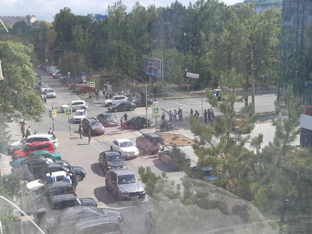 Возле 6-й горбольницы Симферополя произошло ДТП