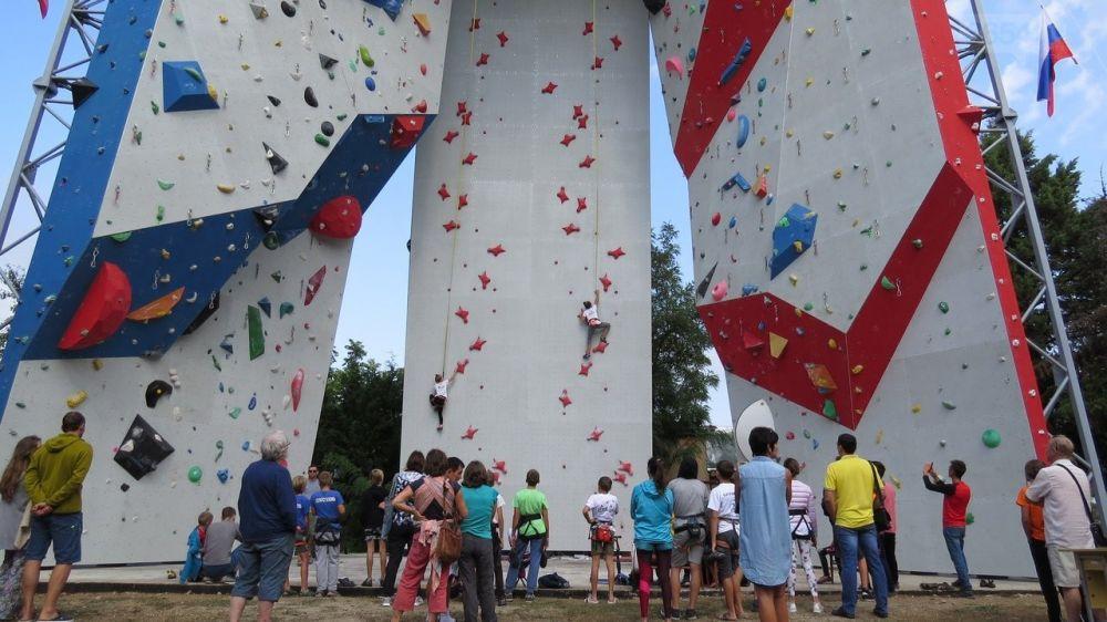 Ялтинские скалолазы в Севастополе взяли призовые места