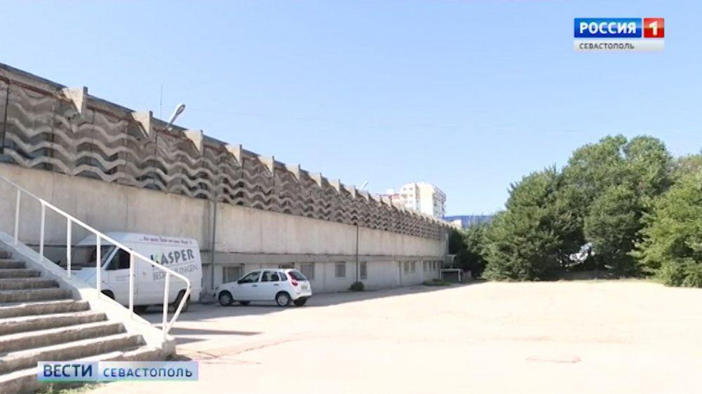 Тренеры недовольны проектом реконструкции комплекса имени 200-летия Севастополя