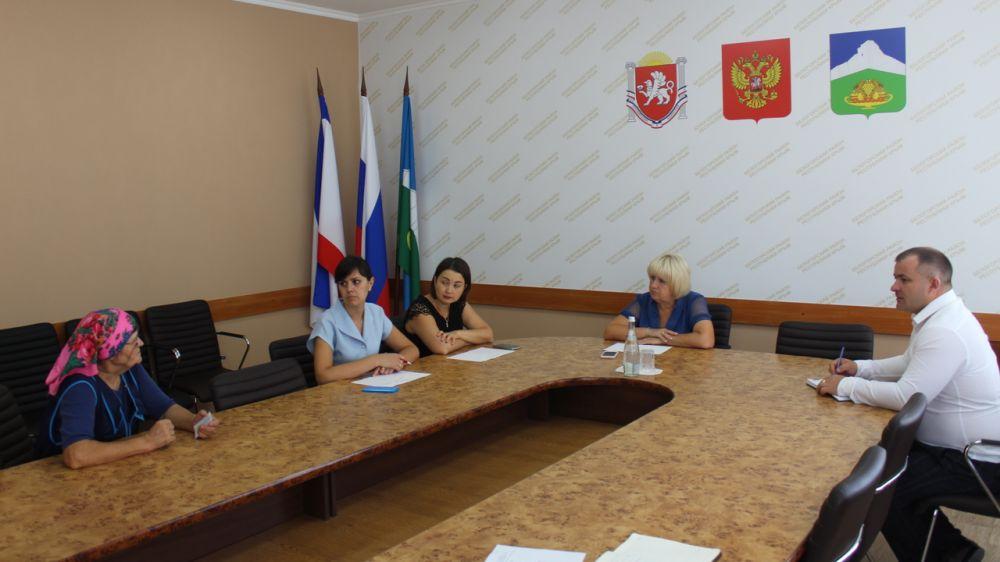 Глава администрации Белогорского района Галина Перелович провела личный прием граждан