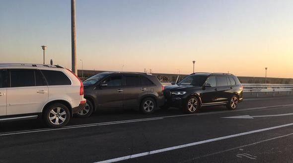 BMW X7 крымского миллионера стал участником массового ДТП