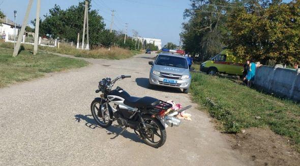 Подросток на мопеде насмерть сбил пожилого велосипедиста в Ленинском районе Крыма