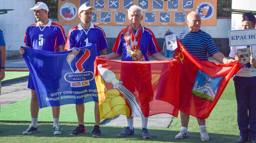 Спортсмены со всей страны приехали поиграть в городки в Крым