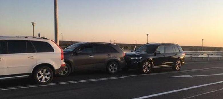 """В ДТП на """"Тавриде"""" разбит новый BMW крымского миллионера, пострадала его супруга"""