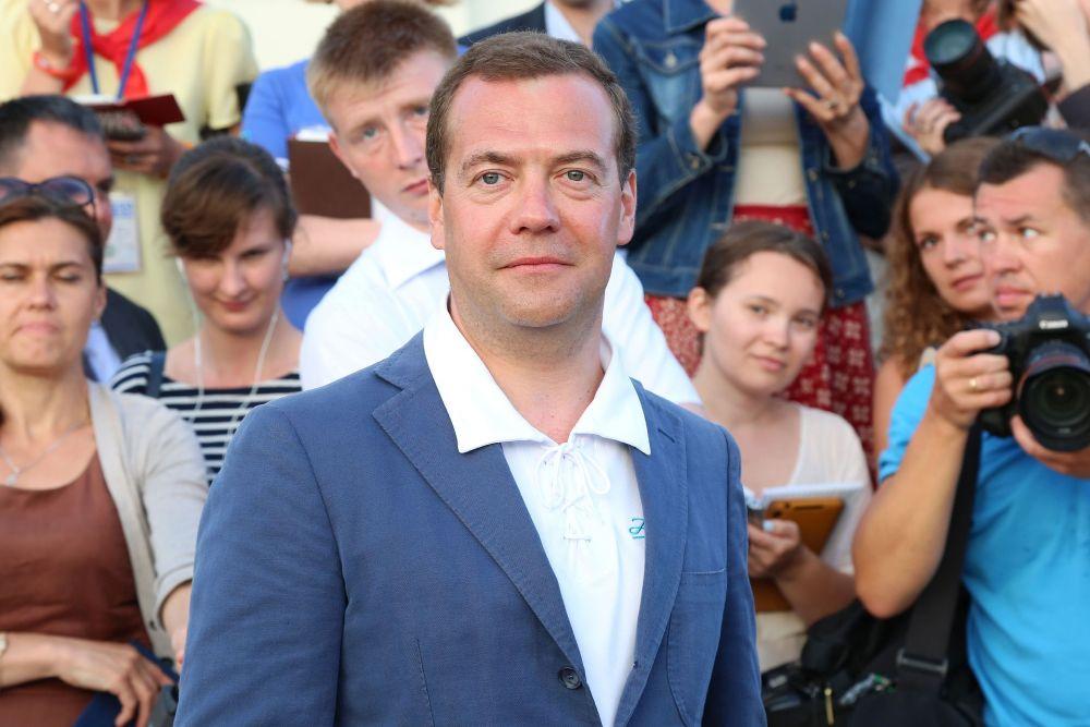 Сергей Аксенов поздравил главу правительства страны