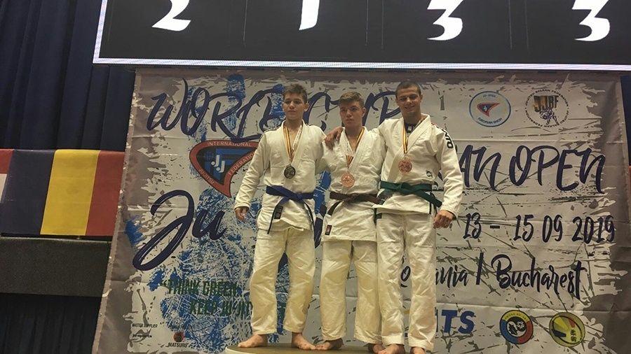 Ялтинец Александр Гурин – бронзовый призер Кубка мира по джиу-джитсу среди юношей до 16 лет!