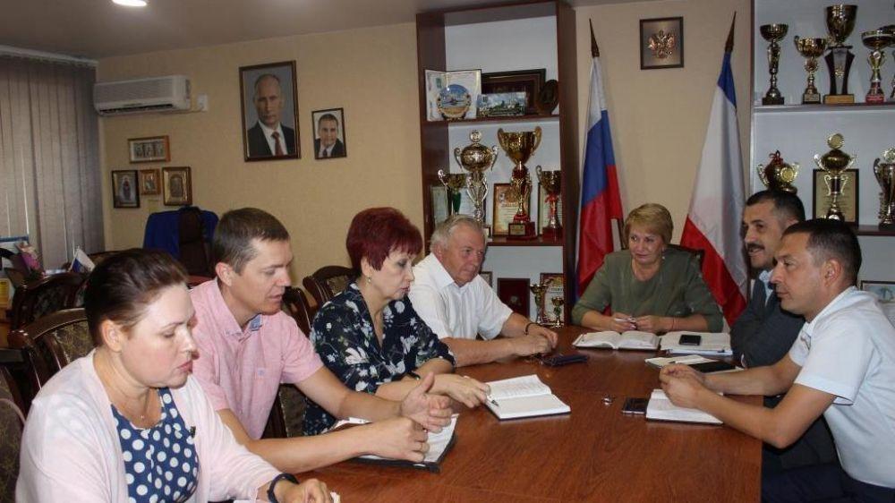 Галина Мирошниченко провела рабочую встречу с генеральным директором ООО «Крымская Водная Компания»