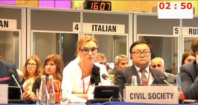 Киевская делегация пыталась заткнуть журналистку из Крыма на конференции по свободе слова