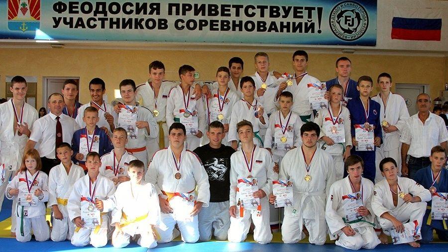 В Феодосии прошел юношеский турнир по дзюдо памяти Владимира Шайдерова