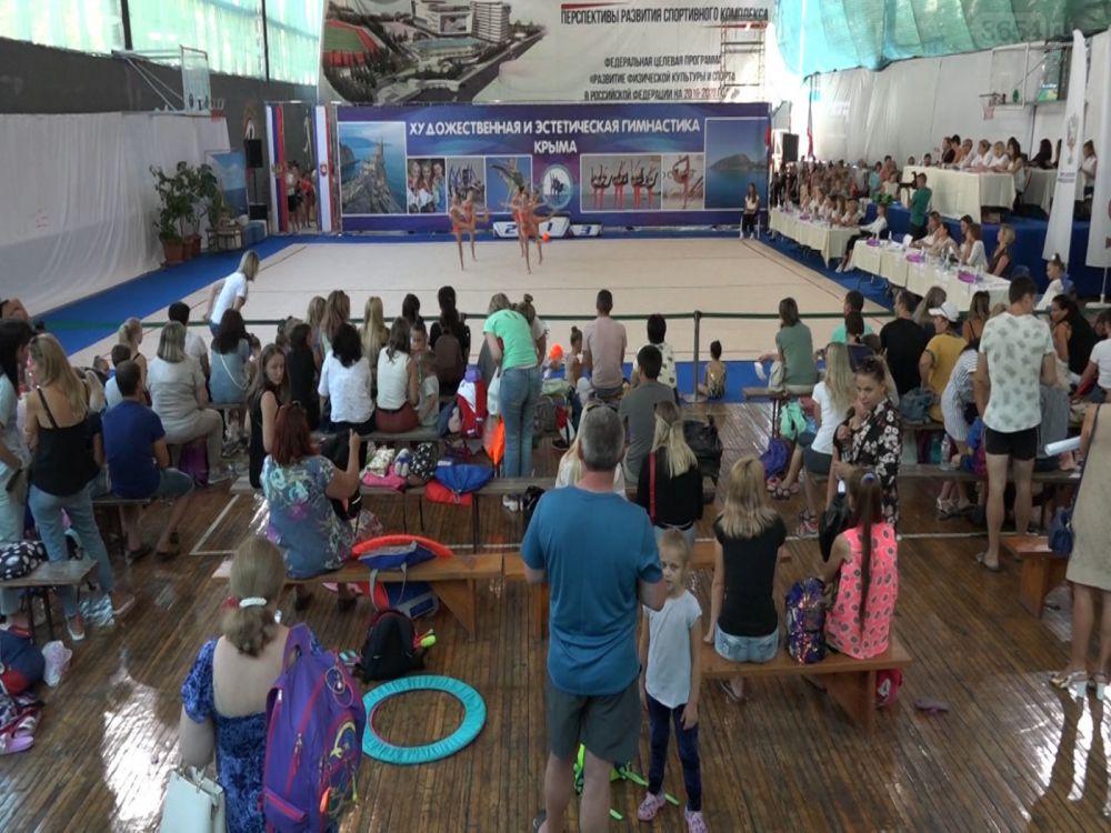 Гимнастки из Ялты успешно выступили на республиканских соревнованиях «Золотая осень»