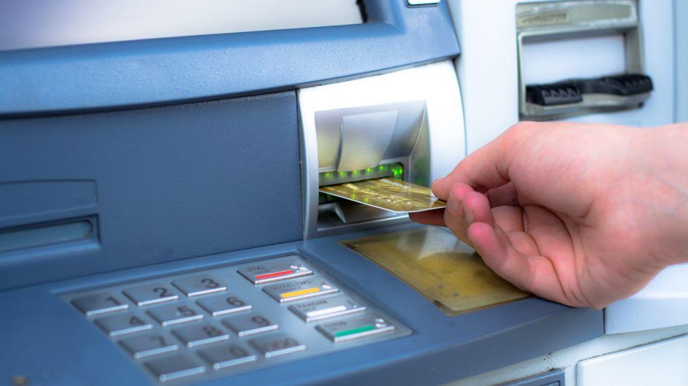 В Крыму регистрируют случаи незаконного списания средств с банковских карт РНКБ