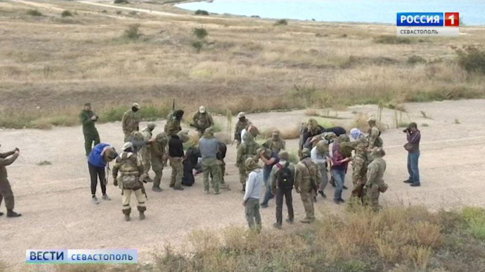 Журналистов учат работе в горячих точках: в Севастополе прошли курсы «Бастион»