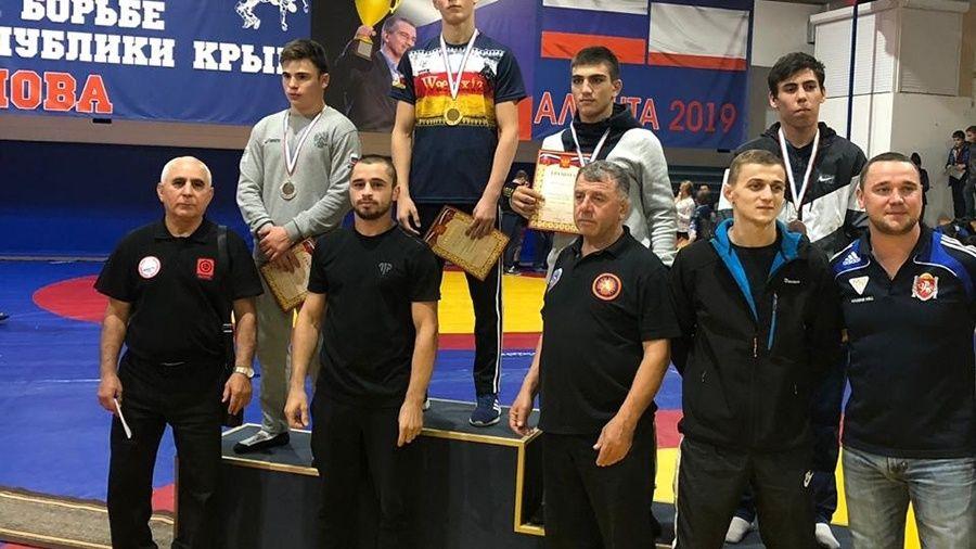 Все победители и призеры Отборочного Республиканского турнира по вольной борьбе среди юношей 15-16 лет