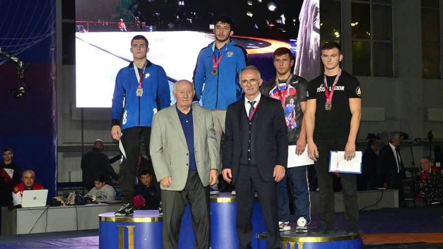 Симферополец Азамат Закуев – победитель Всероссийского борцовского турнира памяти Юрия Гусова