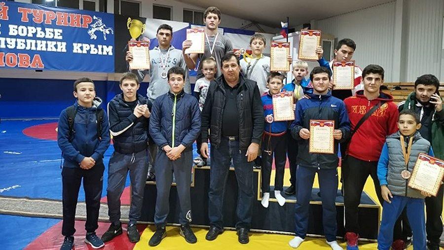 Видеорепортаж о соревнованиях юных борцов-вольников в Алуште