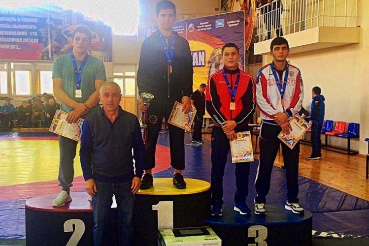 Спортсмен из Севастополя завоевал бронзу Всероссийского борцовского турнира