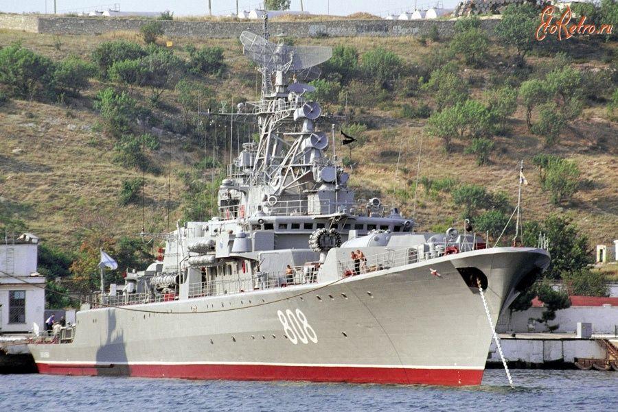 Корабль Черноморского флота возвращается в Севастополь после выполнения задач в Средиземном море