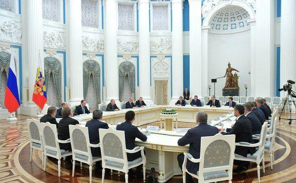 Аксёнов принял участие во встрече Президента и избранных по итогам выборов губернаторов
