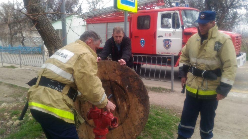 Специалисты ГКУ РК «Пожарная охрана Республики Крым» проводят осенние испытания источников противопожарного водоснабжения в зонах своей ответственности