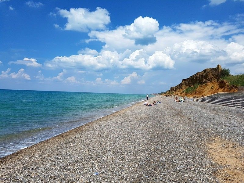 В Николаевке море вынесло тело молодого мужчины