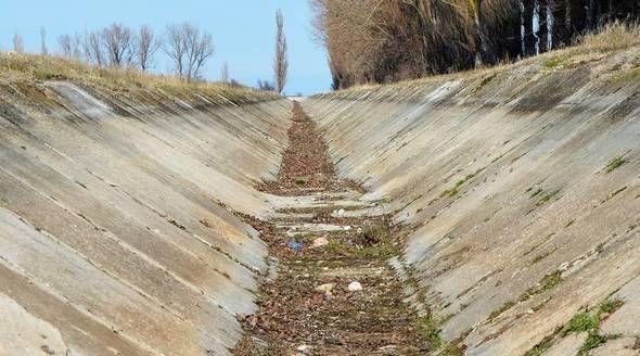 Зеленский исключил подачу воды с Украины в Крым