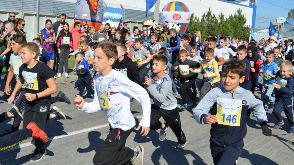В Джанкое прошёл ежегодный легкоатлетический «Молочный кросс»