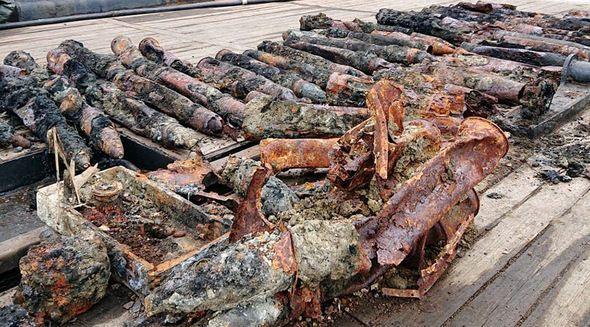 Саперы «Беркута» обследовали поднятую с затонувшего под Евпаторией судна немецкую самоходку